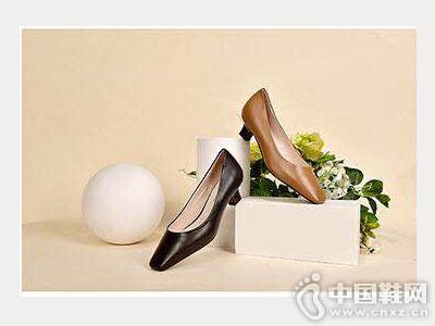 新款小粗跟单鞋摩熙米昵时尚款