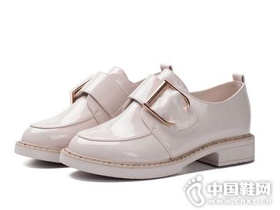 展风新款英伦风女鞋尖头平底深口单鞋