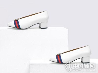 卡斯高Classical2018圆头浅口粗跟单鞋