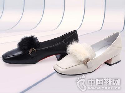 新款小皮鞋粗跟时尚兔毛方头克克单鞋
