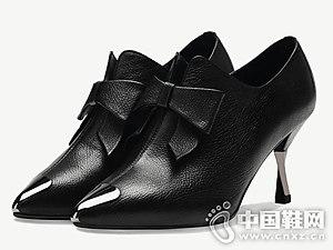 2018秋冬新款卡美多真皮高跟短靴