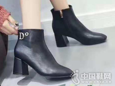 新款皮靴维芙VOG FASHION2018靴子