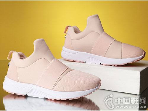 新款套脚轻便时尚运动鞋PITANCO必登高
