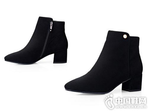 卡迪娜冬季羊绒粗跟时装短靴