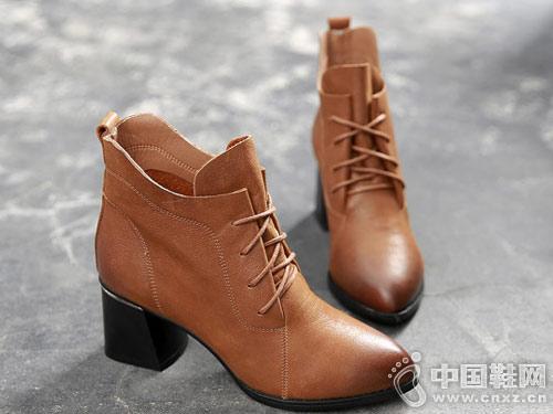 漫沙洛女靴秋季2018新款真皮短靴