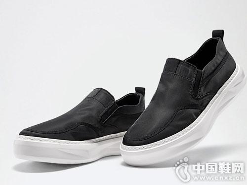 维界网红一脚蹬男鞋春季英伦时尚休闲鞋