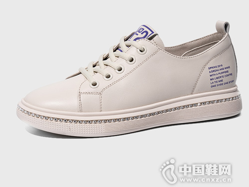 康龙2019春季新品板鞋 女士休闲低帮鞋