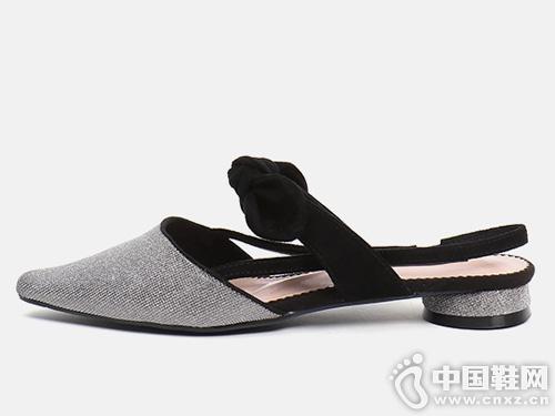 2019新款EM易美時尚品牌后空涼鞋