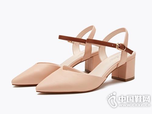 依思q2019夏季新款学生包头凉鞋