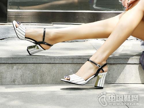 慕兰茜MULANXI新款夏季舒适中跟时尚凉鞋