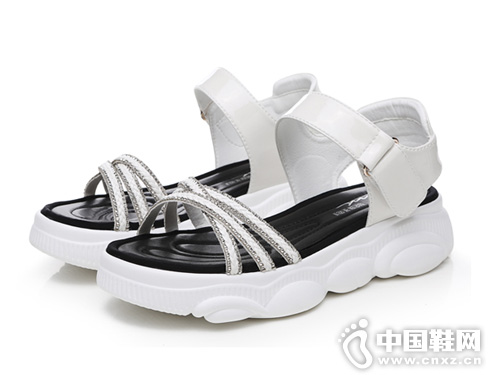 圣恩熙 2019夏季新款厚底老爹凉极速快3