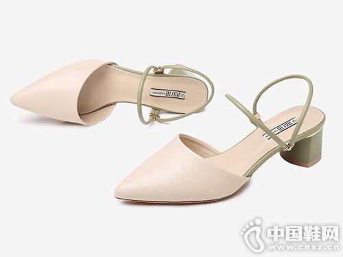 大東2019夏季新款優雅粗高跟尖頭涼鞋