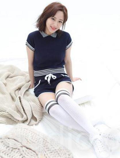 杨紫时尚大片用ASH小白鞋本色演绎率性纯真