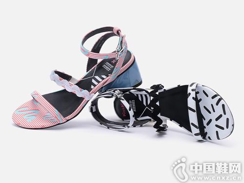 Kiss Kitty2019夏季新款一字條帶中粗跟涼鞋