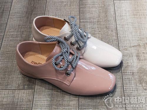 路尚2019春新款亮皮低跟休闲时尚女鞋