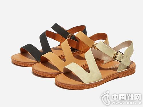 热风2019年夏季新款女士时尚一字扣带凉鞋