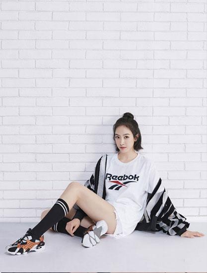 美��健身品牌�J步Reebok全新�纹� �不快�戆才乓幌�