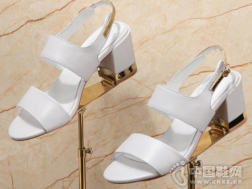 G-vill贵之步2017夏季全真皮粗跟女凉鞋