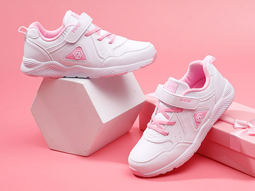 七波輝童鞋2019新款兒童鞋子學生小白鞋