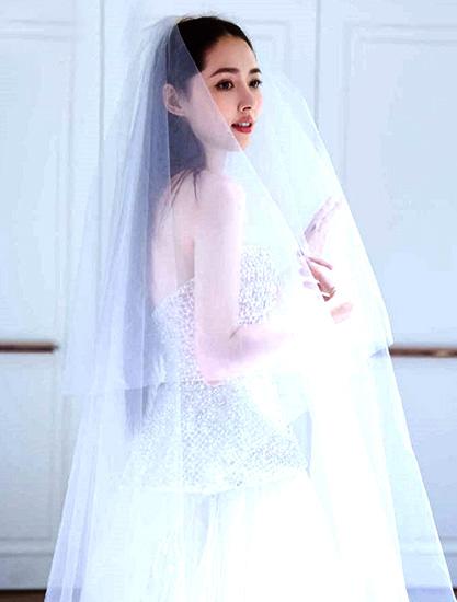 郭碧婷微博晒婚纱照,她出道17年仙气不减的秘籍是?