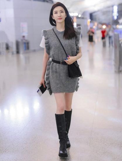 江疏影�⒊�r�b周,一�p�L靴超酷!