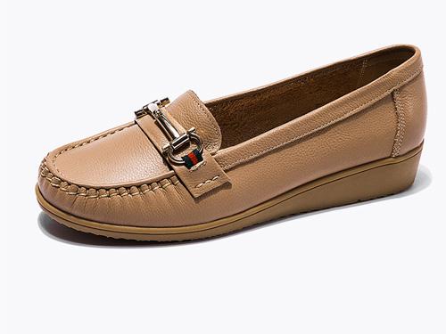 奥康女鞋-2019新款真皮舒适纯色豆豆鞋