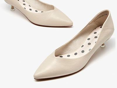 卓�尼�涡�女2020春季新款尖�^�跟女鞋
