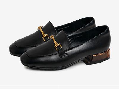 Bata2020春新款英倫風通勤復古方頭單鞋
