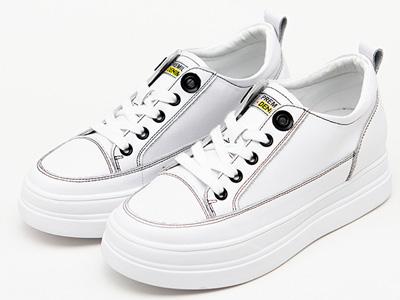 舒士客女款加厚內增高橡膠底真皮板鞋