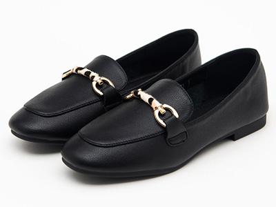 舒士客女淺口低幫平跟一腳套真皮金屬扣單鞋