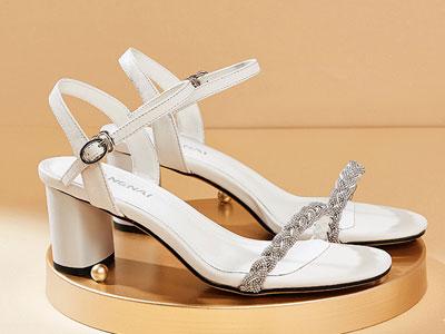 康奈女鞋2020夏季新款时尚都市摩登百搭凉鞋