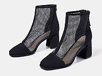 色非2020春鞋新款方头粗跟高跟时装包头黑色凉鞋