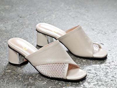 漫沙洛半拖鞋女粗跟2020年新款真皮一字高跟