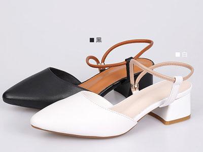 普兰妮包头凉鞋女粗跟2020年新款夏季