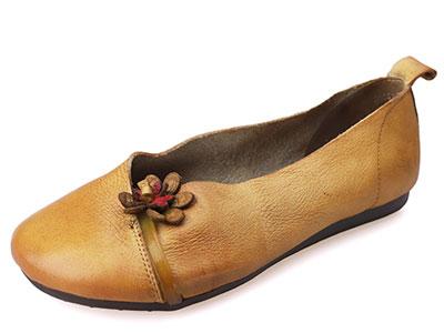 相伴真皮2020小雏菊新款民族风女鞋百搭单鞋