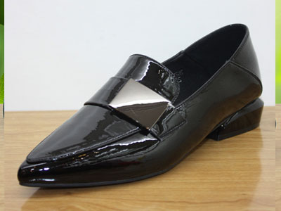 佰纳中口尖头粗跟舒适女船鞋低跟时尚单鞋