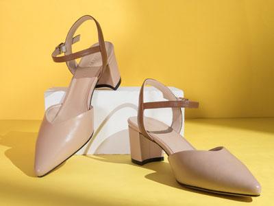 自由姿色尖头一字扣单鞋女2020春夏新款包头凉鞋