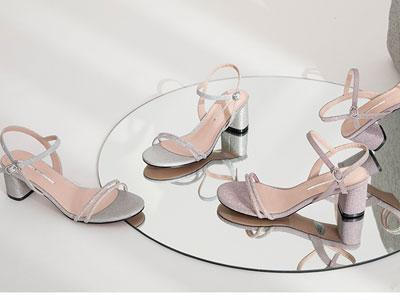 自由姿色凉鞋女仙女风2020夏新款一字扣