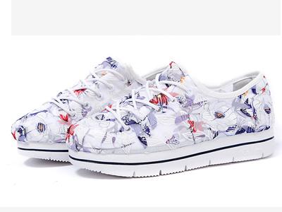 Tt&Mm��姆斯2020新款潮�U空女鞋帆布鞋