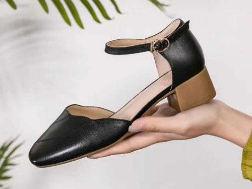 卡莉丹女鞋2020夏真皮粗跟中空半凉鞋舒适