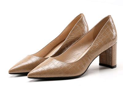 GL2020秋季新款粗高跟女鞋尖头浅口牛皮压纹单鞋