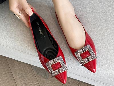 阿么红色漆皮尖头单鞋女2020秋季新款