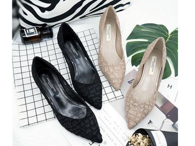 雨薇露露韩版黑色工作鞋2020尖头中跟细跟高