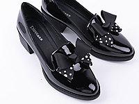 迪尼莎2020新款女鞋漆皮方跟套脚百搭乐福鞋