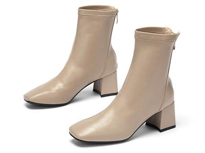 达芙妮2020冬季新款女靴简约方头粗跟弹力靴