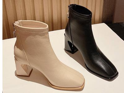依思q2020冬季新款高跟短靴女潮裸靴