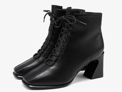 依思q2020冬季新款高跟短靴女方头英伦风马丁靴