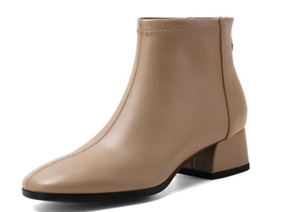 柯玛妮克-2020年秋冬季新款流行女鞋粗跟简约款