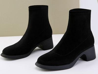 路貝佳2020新款彈力羊絨百搭時裝女靴粗跟短筒襪靴