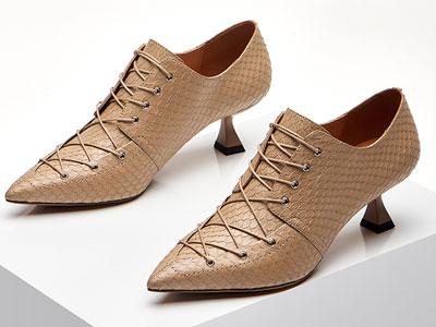 路貝佳秋款蛇皮細跟單鞋真皮系帶中跟羊皮女鞋